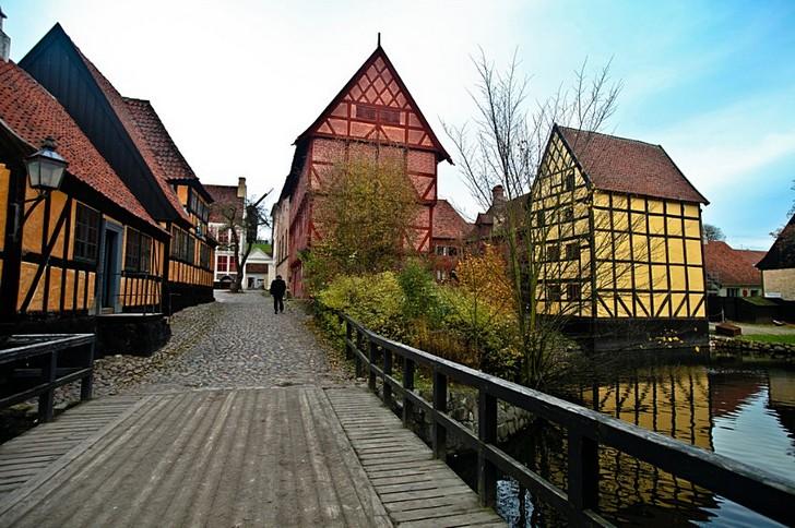 Старый город в Орхусе (Ден-Гамле-Бю)