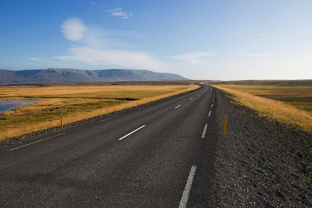 Дорога уходящая за горизонт.