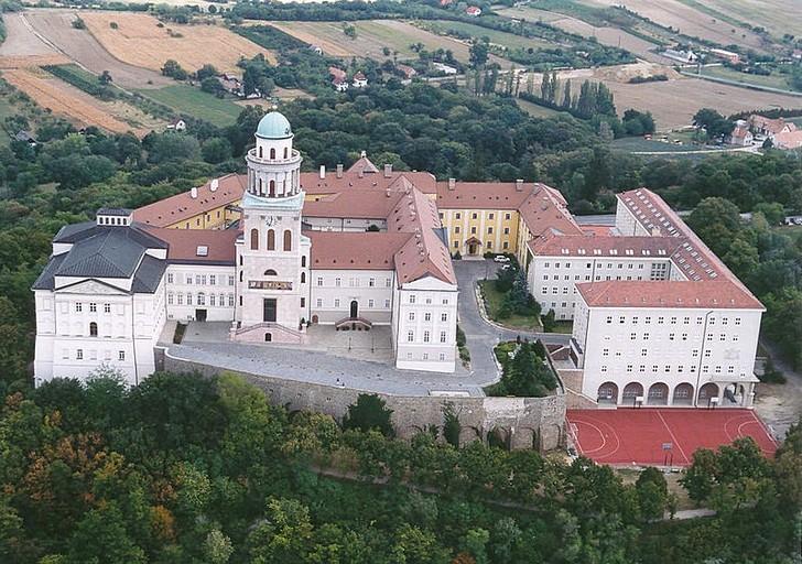 Бенедиктинский монастырь Паннонхальма