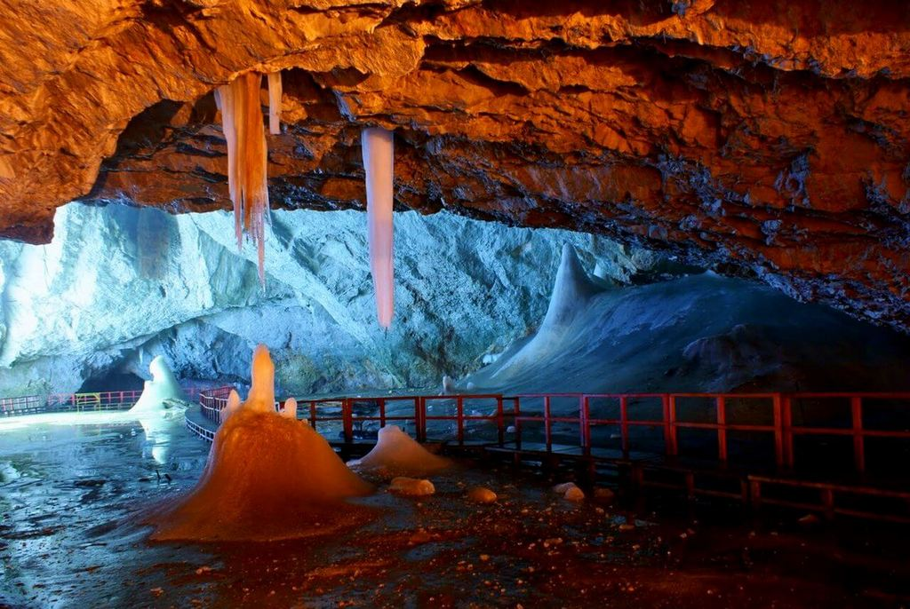 Пещера Скэришоара.