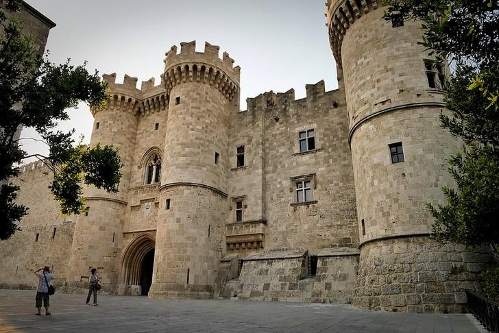Дворец Великих Магистров (Родос)