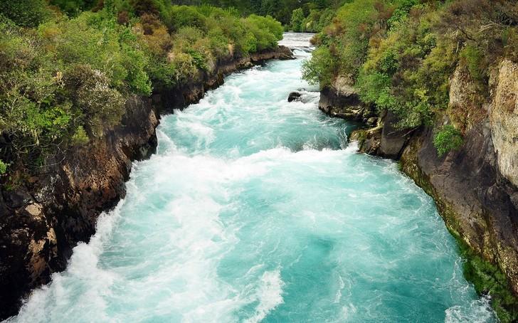 Водопады Хука