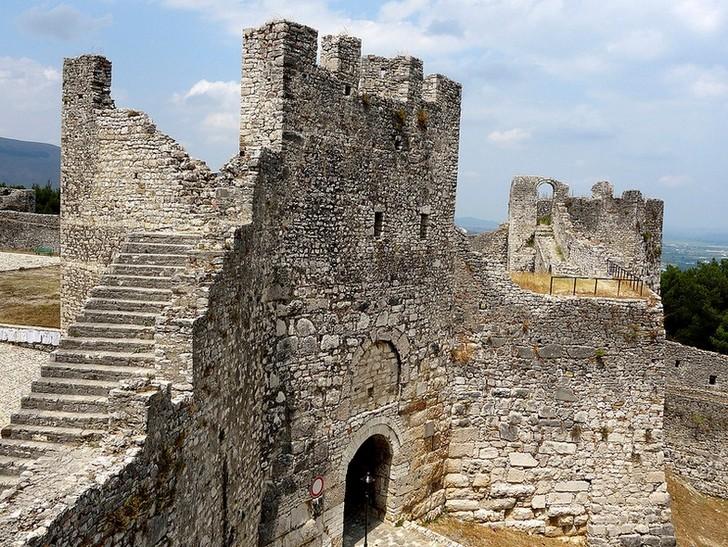 Замок Берат