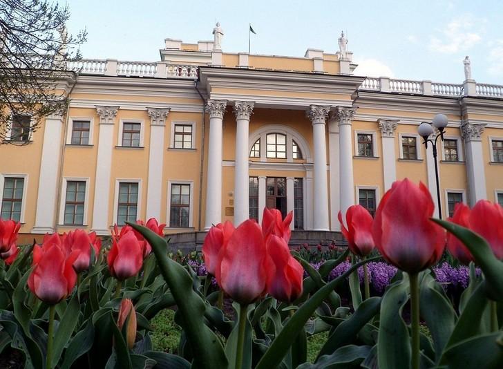gomelskij-dvortsovo-parkovyj-ansambl