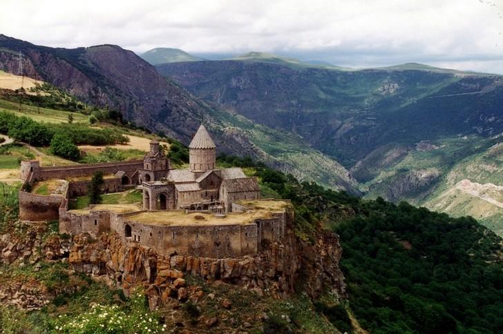 4. Татевский монастырь