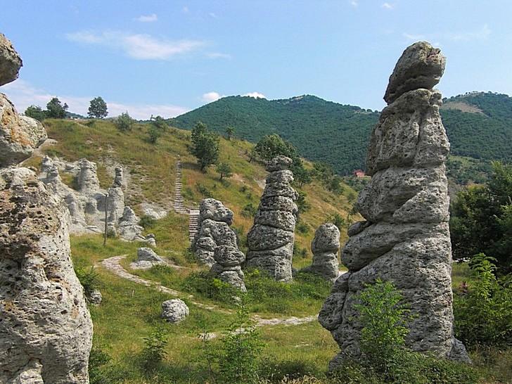 kamennyi-gorod-kuklitsa