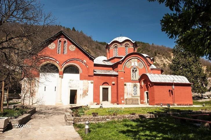 pravoslavnye-monastyri-v-kosove