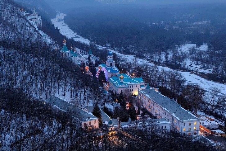 svyatogorskaya-lavra