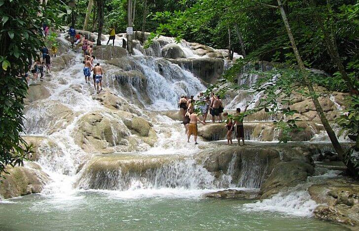 vodopad-dans-river