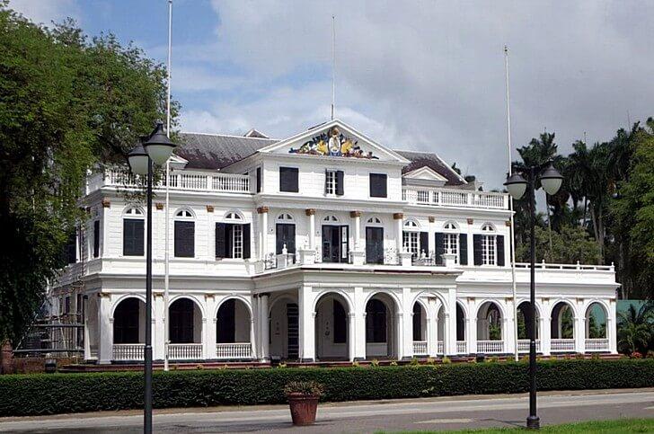 zdanie-paramaribo