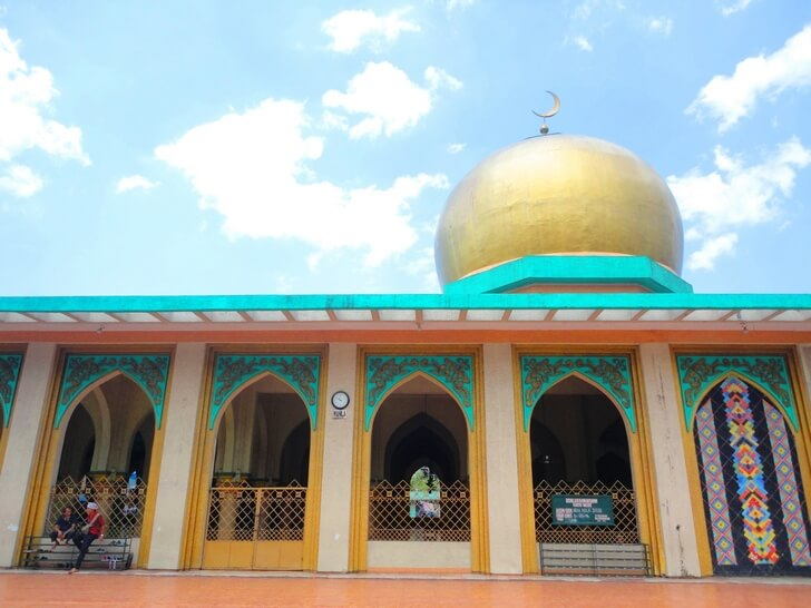 golden-mosque-manila