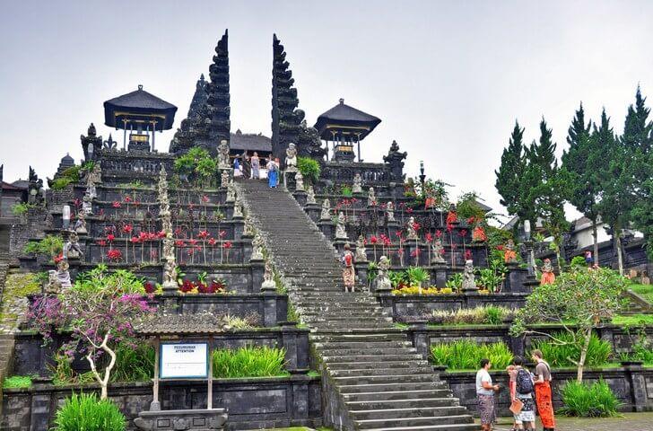 hram-pura-besakih