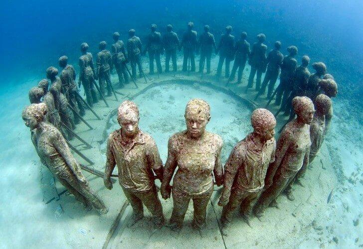podvodnyi-park-skulptur