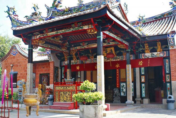 zmeinyi-hram