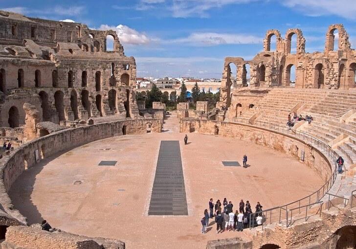 amfiteatr-v-el-dzheme