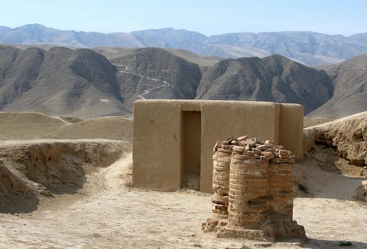 drevniy-gorod-nisa