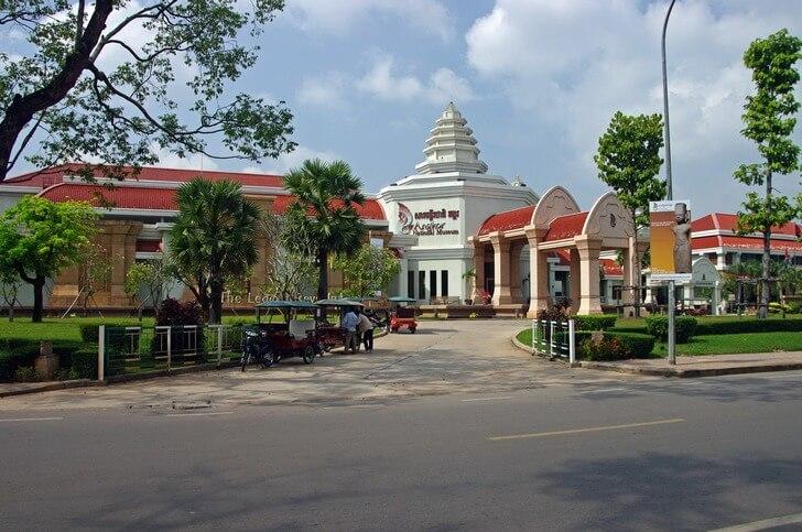 nacionalnyy-muzey-angkora