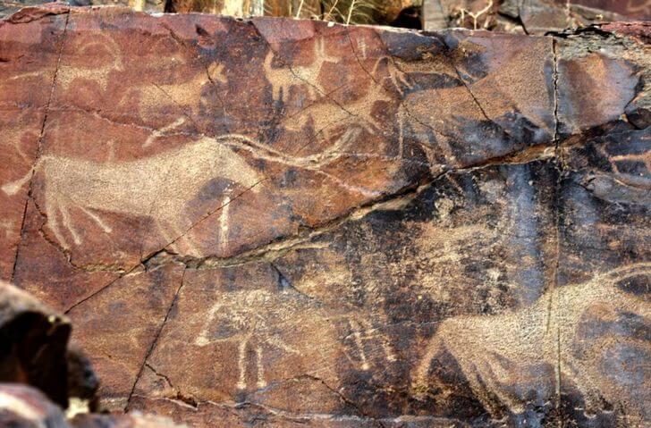 petroglify-tamgaly-tas