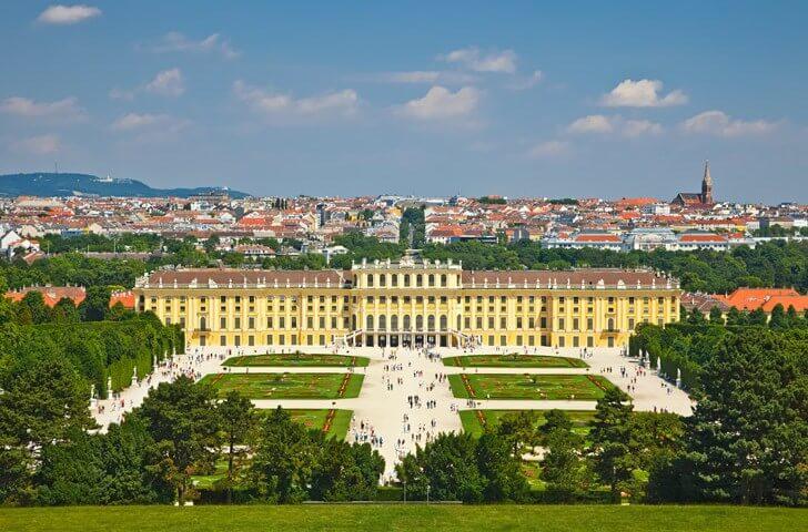 dvorec-shenbrunn