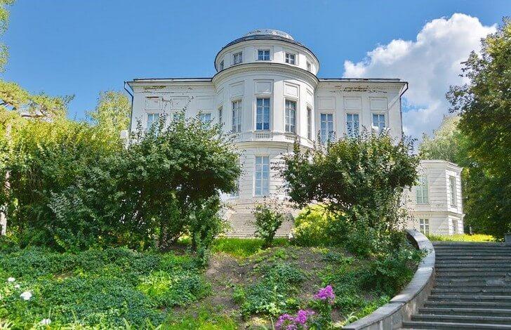 bogoroditskij-dvorets