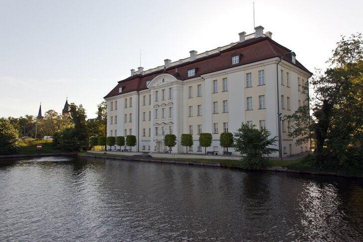 dvorec-kyopenik