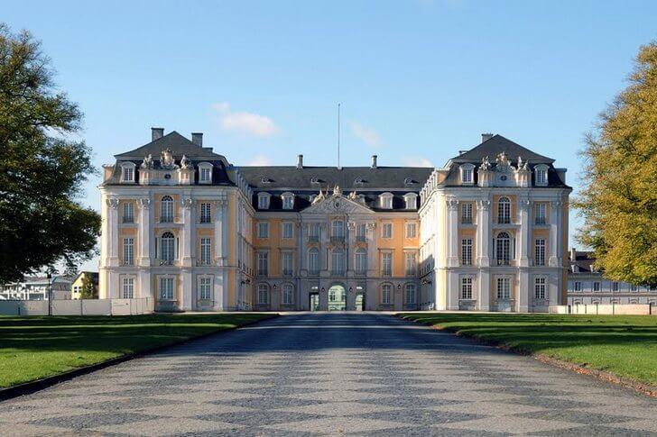 dvorets-augustusburg