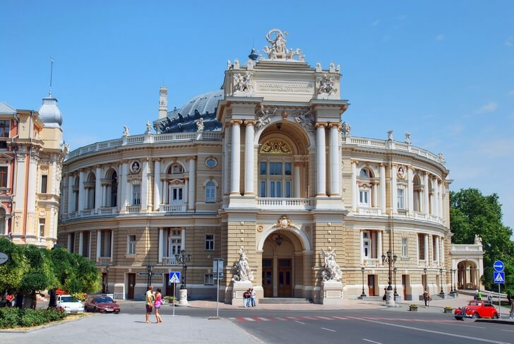 odesskiy-teatr-opery-i-baleta