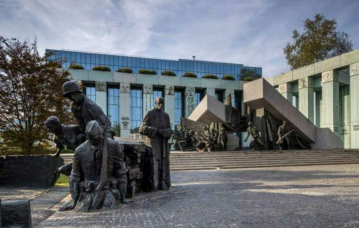 warsaw-uprising-monument