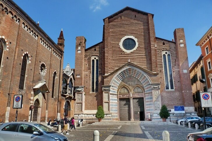 bazilika-santa-anastasiya