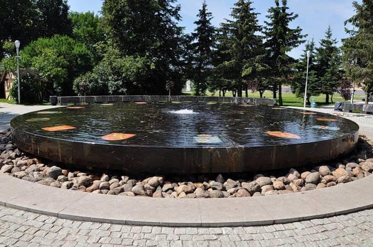 Поговорим о том, о сём - Страница 22 Ganzeyskiy-fontan